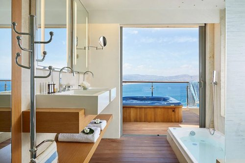 Lindos Blu bathroom
