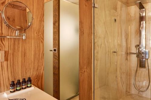 Domus Renier bathroom