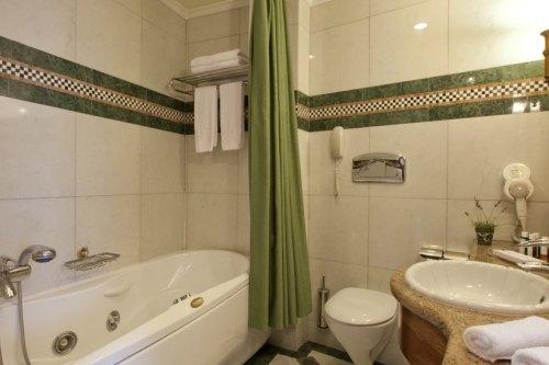 Hotel electra palace bathroom