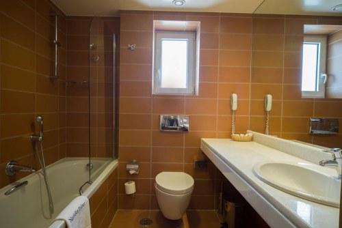 Nafsika Palace bathroom