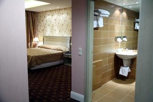 Nafsika Palace room with bathroom