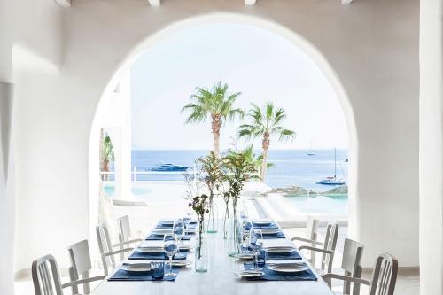 Mykonos Blu Hotel dining