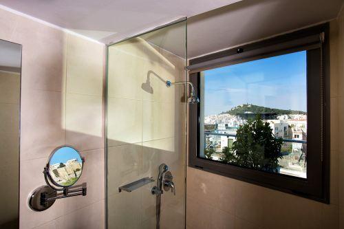 Athens Gate bathroom