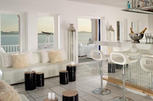 Grand Hotel Mykonos white bar