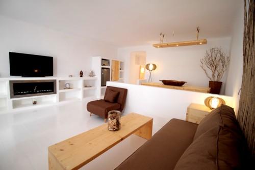 Salt Suites living room