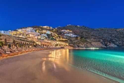 Santa Marina Hotel beach