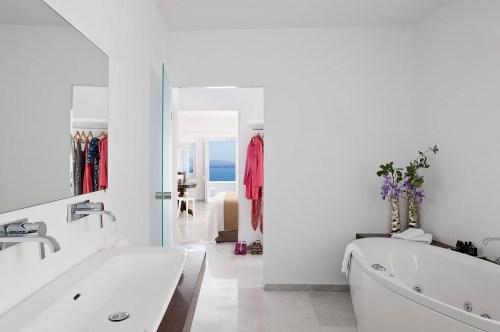 Canaves Oia hotel bathroom