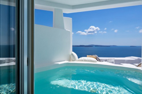 Canaves Oia honeymoon suite
