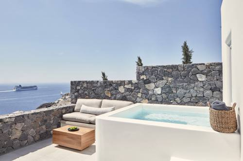 Canaves Oia Epitome private pool