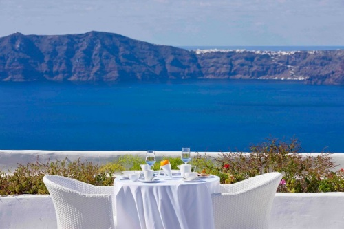 Cliffside Suites dining