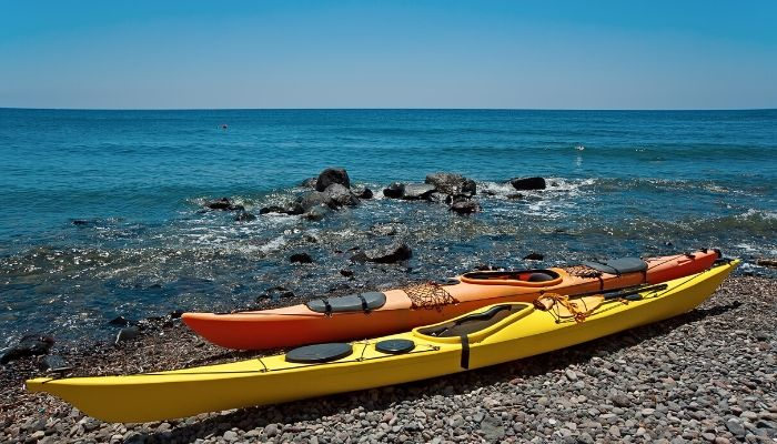 Kayak in Santorini